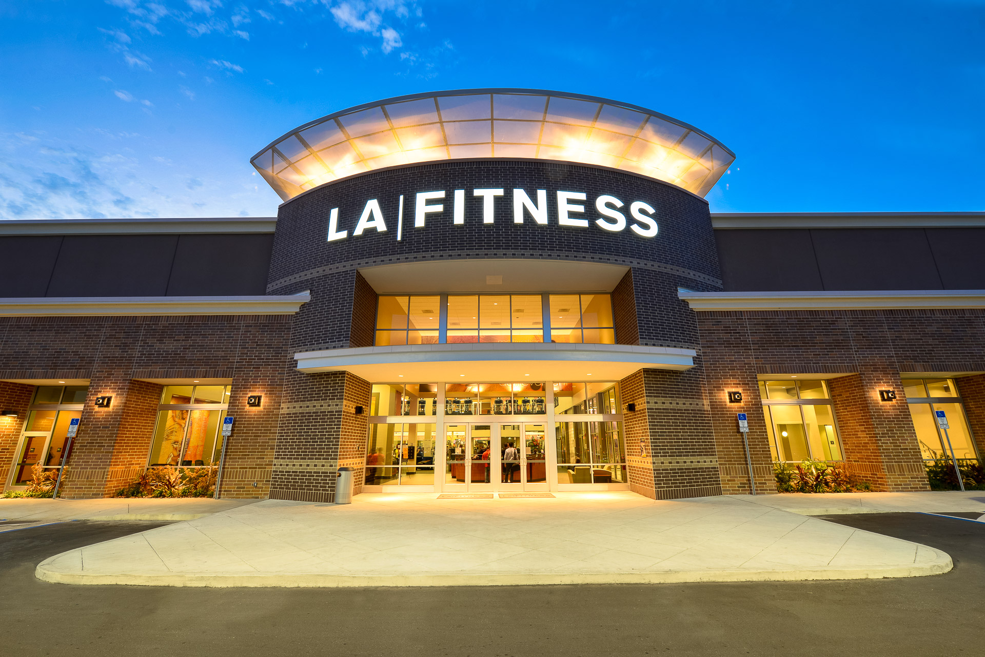 Track record recently closed transactions nnn fitness for La fitness garden city class schedule